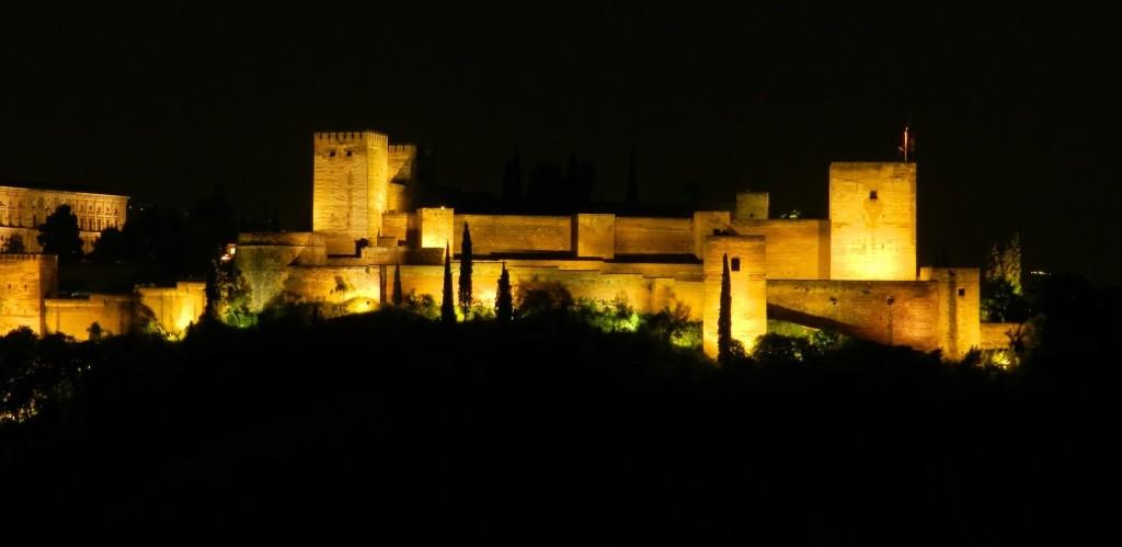 Alhambra Granada bei Nacht