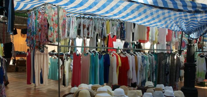 Kleidung vom Markt Andalusien