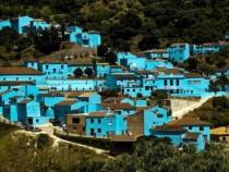 Júzcar, das Schlumpfdorf in Andalusien