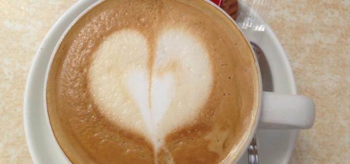 Café con leche in der Cantina de Flor