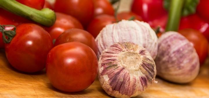 Tomaten und Knoblauch