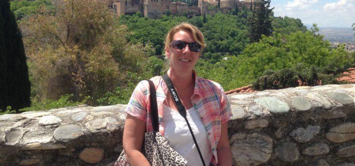 Alhambra Granada im Hintergrund