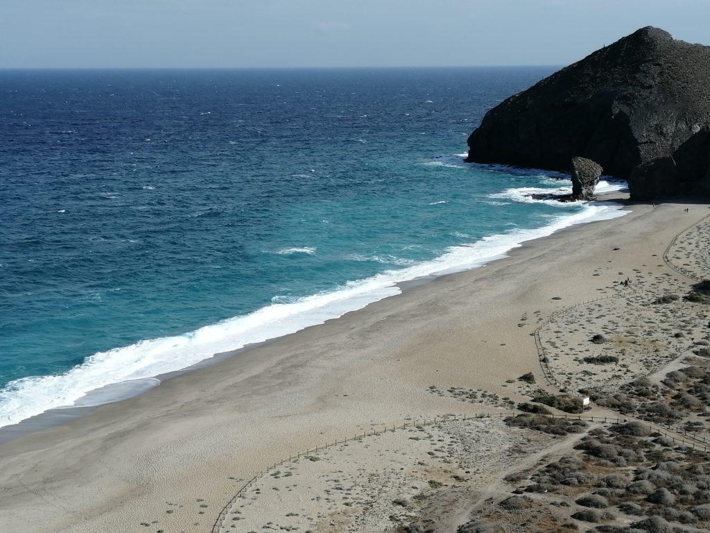 Playa de los Muertos von oben